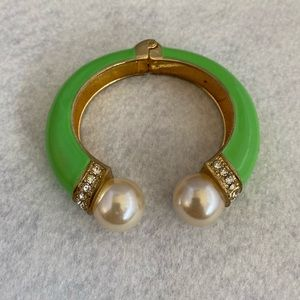 Fashion Bangle Green Enamel Pearl Gold Tone